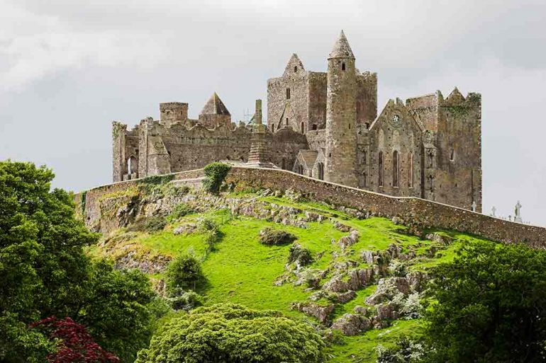 Castles in Ireland The-Rock-of-Cashel