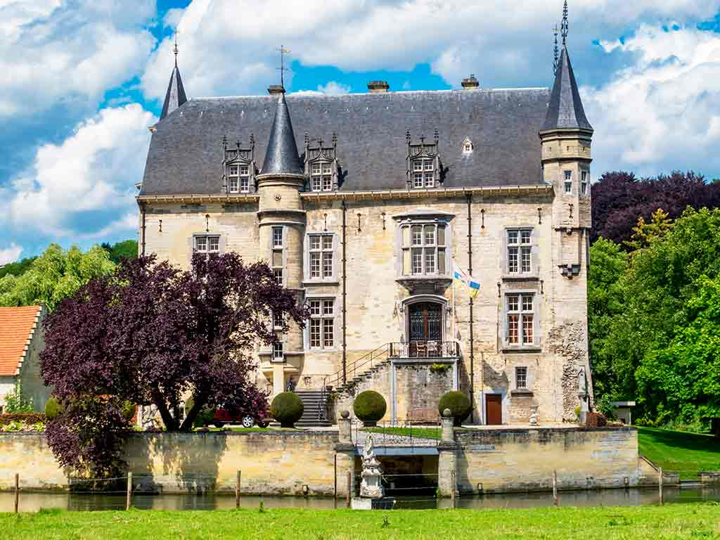 Best castles in Netherlands Valkenburg