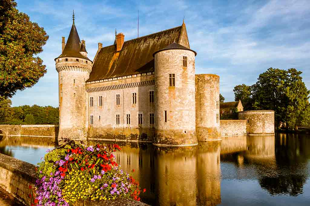 Famous Castles in France Chateau fo Sully