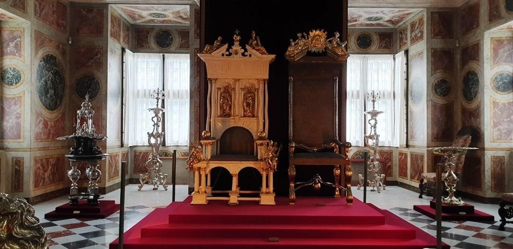 inside Rosenborg Castle 2