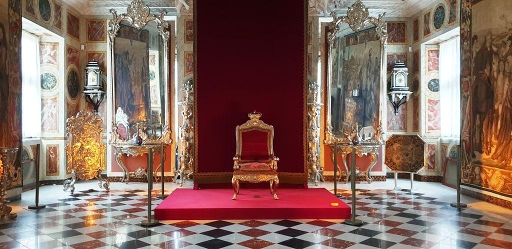 inside Rosenborg Castle 3