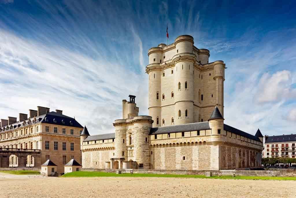 Castles near Paris Château-de-Vincennes
