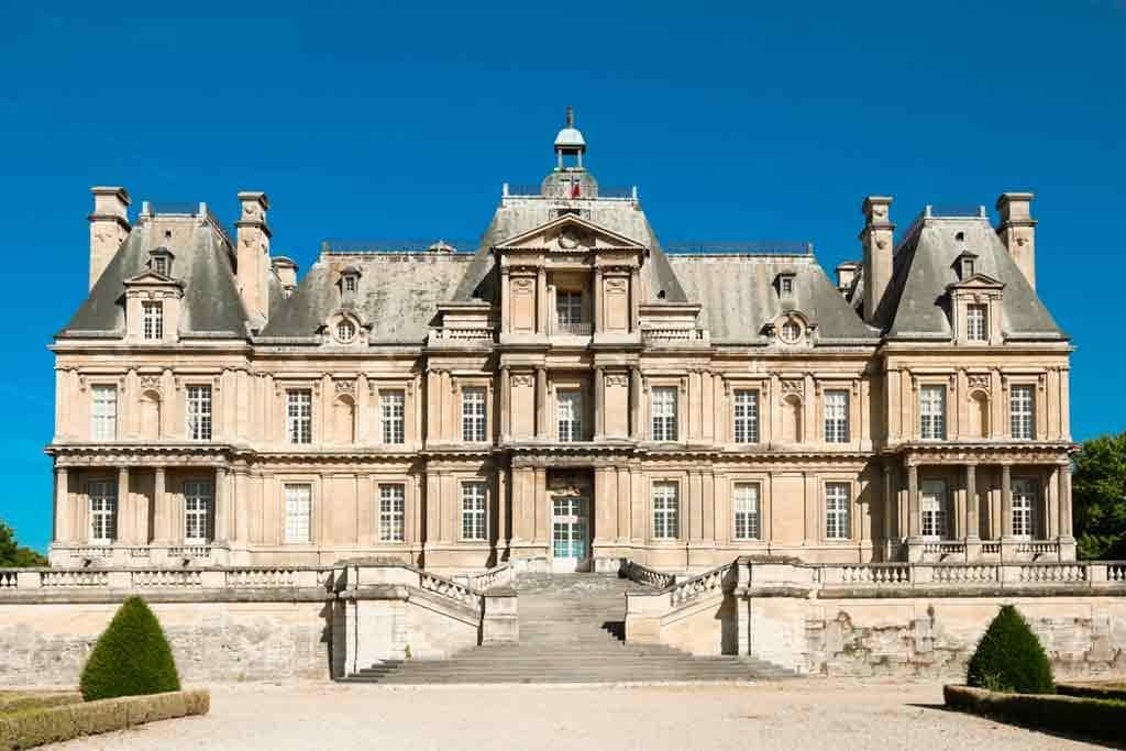 Castles near Paris hateau-de-Maisons-Laffitte