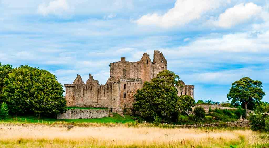 Edinburgh Castles-Craigmillar-Castle