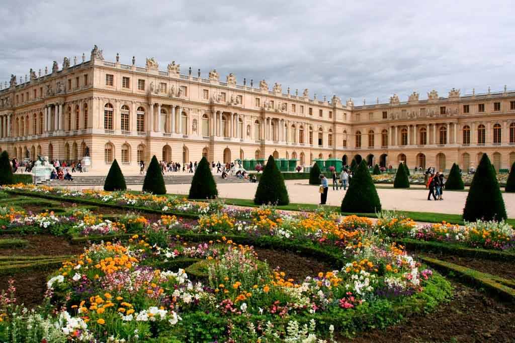 Palace-of-Versailles Castles near Paris