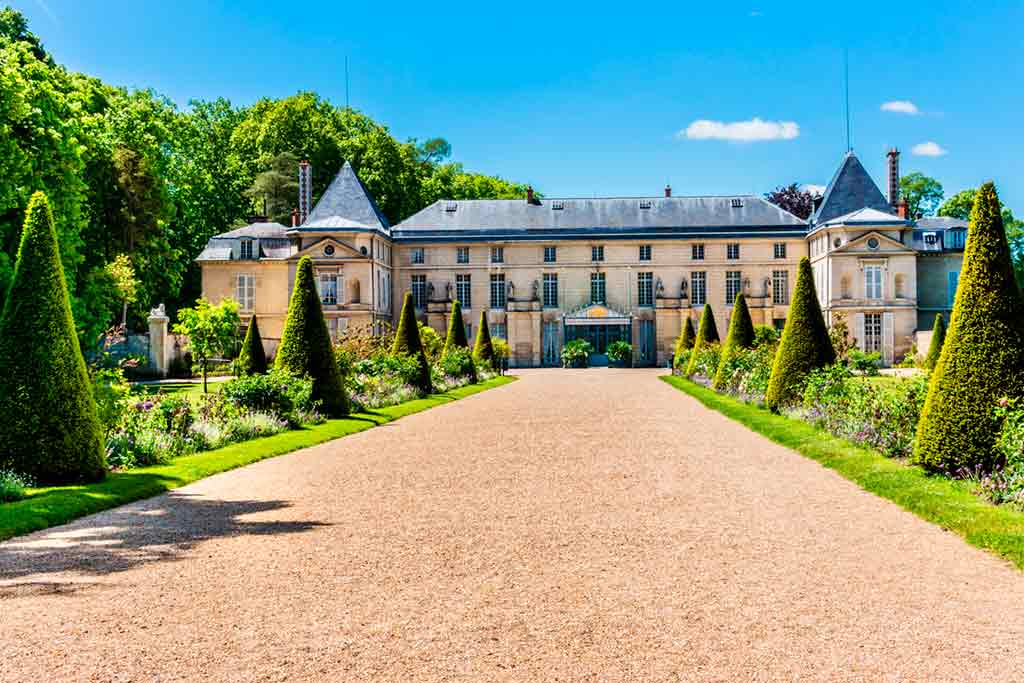 Castles near Paris The-Palace-of-Malmaison