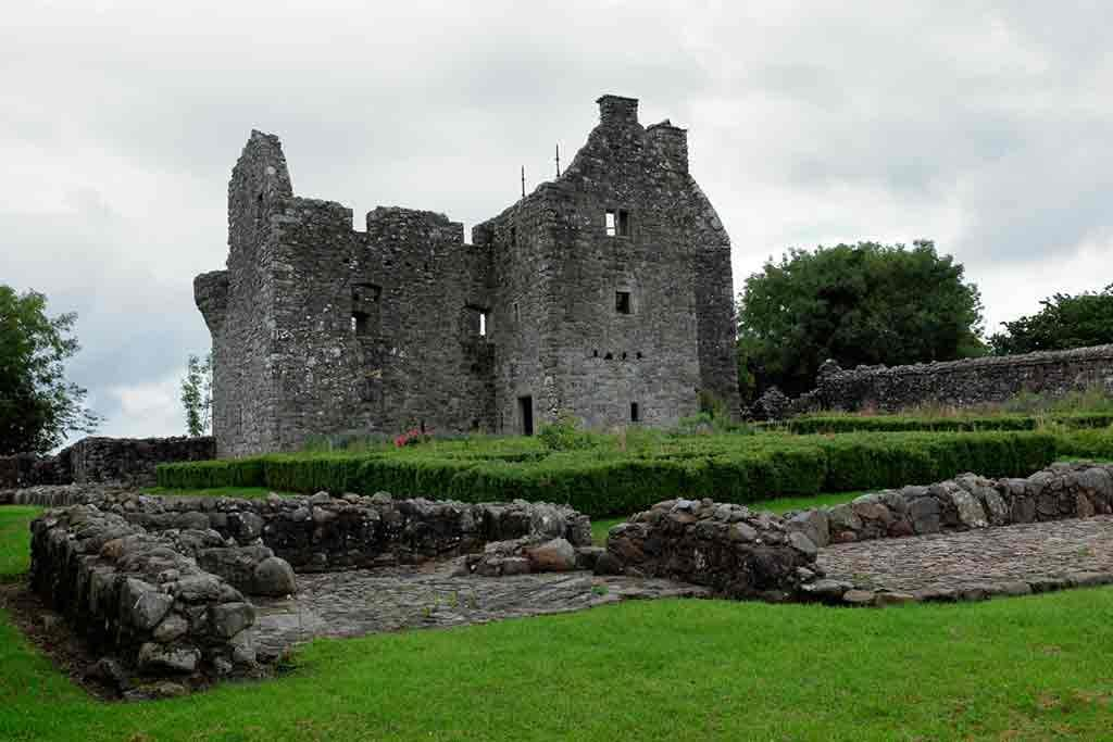 Best haunted castles-Tully-Castle