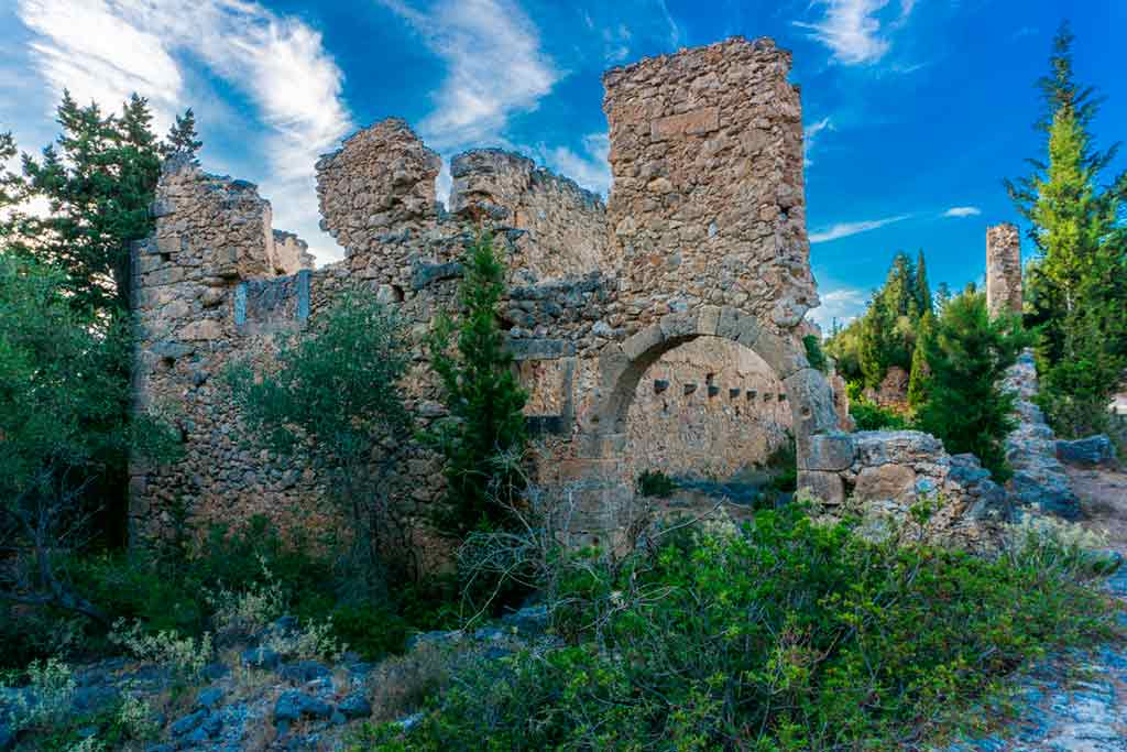 Famous Castles in Greece-Assos-Castle