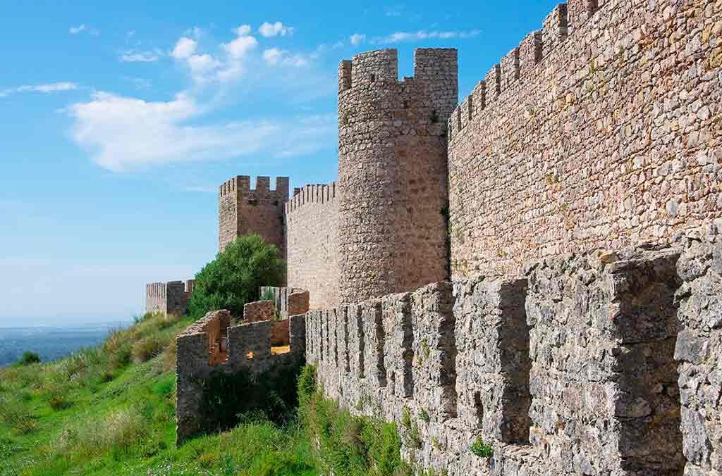 Portugal Castles-Castelo-de-Santiago-do-Cacem