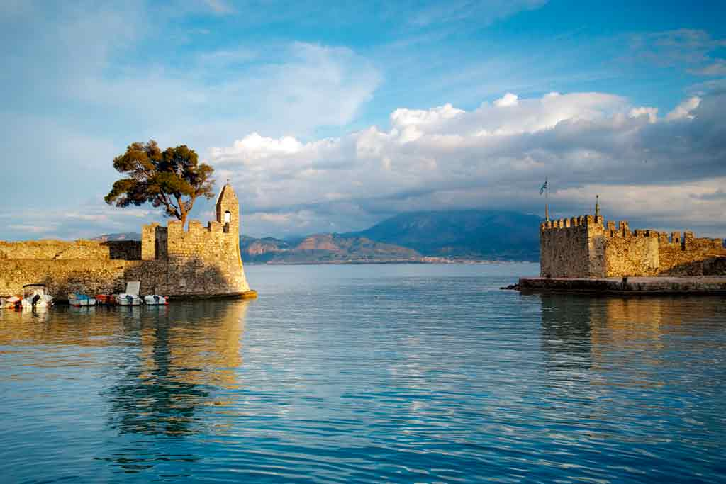 Best Greek Castles-Castle-of-Lepanto