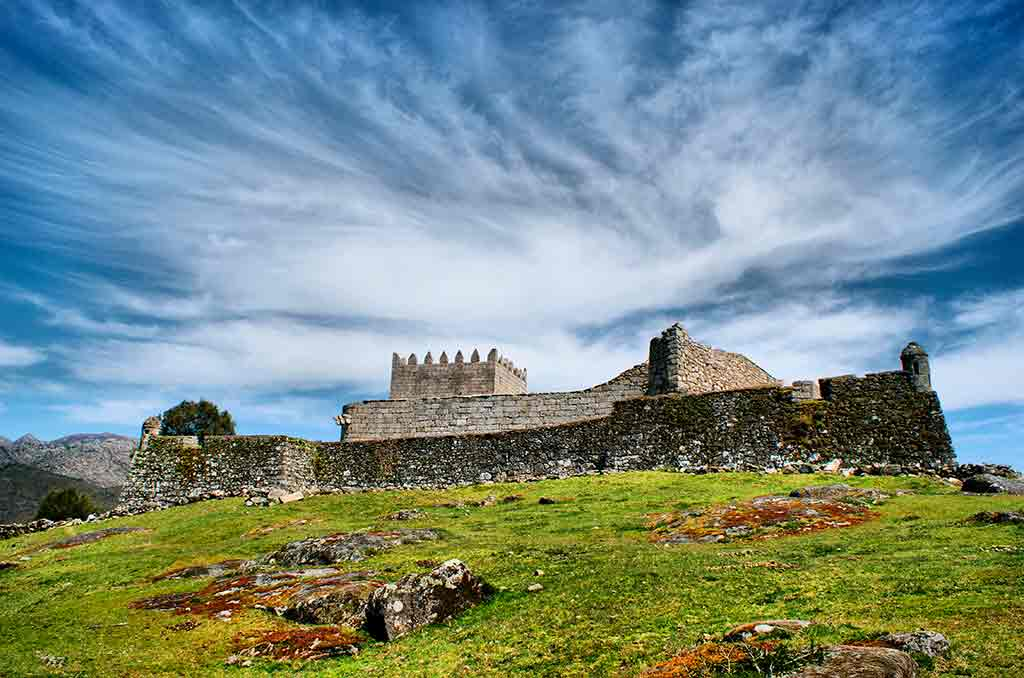 Famous Castles in Portugal-Castle-of-Lindoso