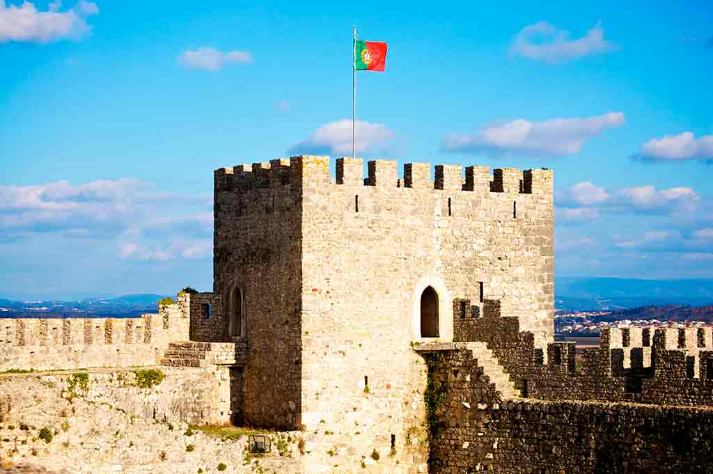 Castles in Portugal-Castle-of-Montemor-o-Velho