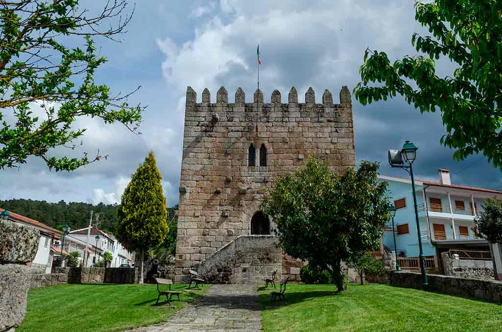 Portugal Castles-Castle-of-Santo-Estevao