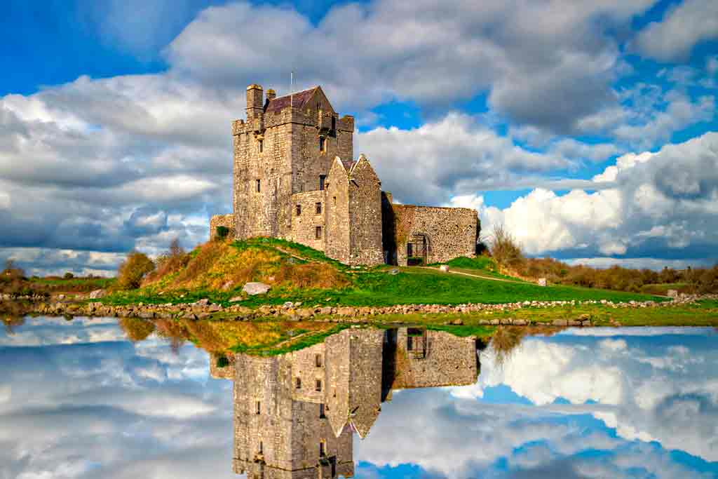 Famous haunted castles-Dunguaire-Castle