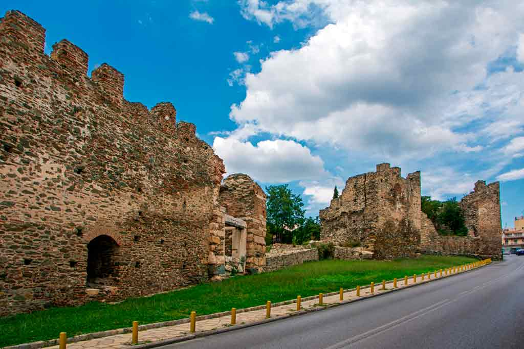 Best Greek Castles-Eptapyrgio-or-Yedi-Kule