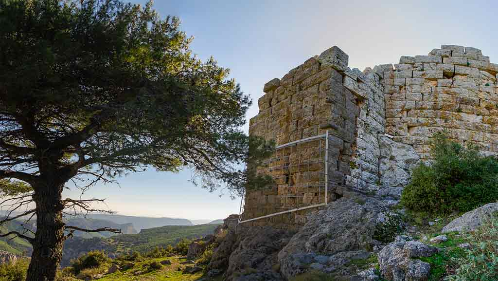 Best Greek Castles-Fyli-Castle
