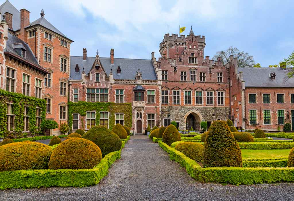 Best castles in Belgium-Gaasbeek-Castle