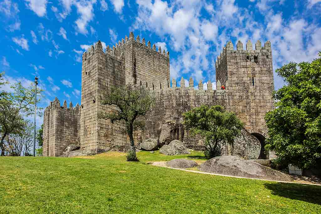 Best Portugal Castles-Guimaraes-Castle