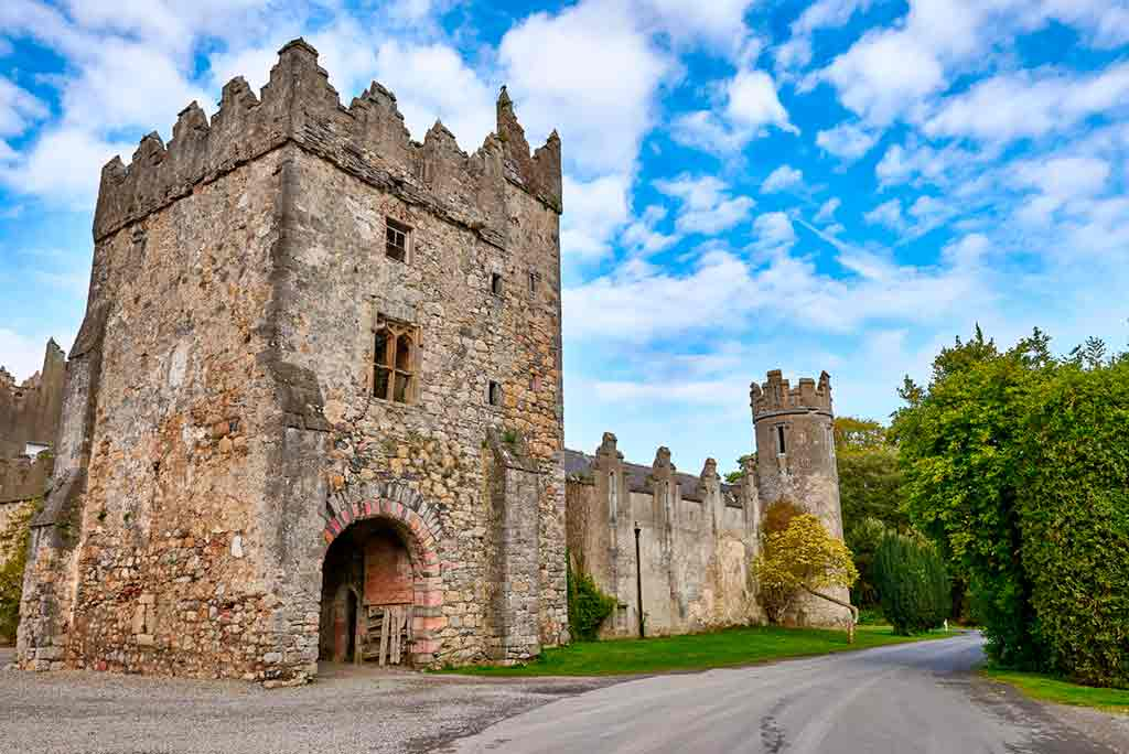 Best castles near Dublin-Howth-Castle