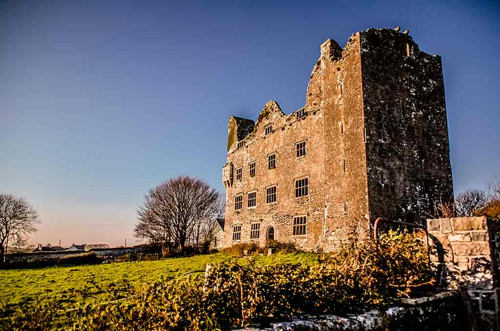 Haunted castles-Leamaneh-Castle