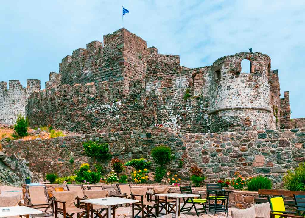 Best castles in Greece-Mithymna-Castle