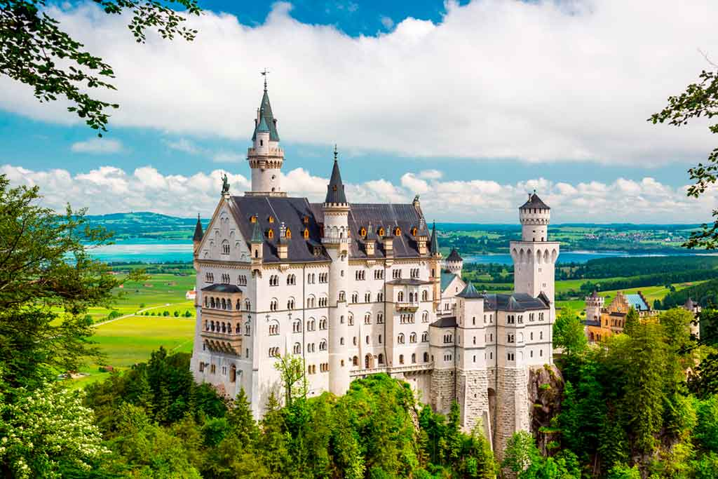 Famous Castles in Bavaria-Neuschwanstein-Castle