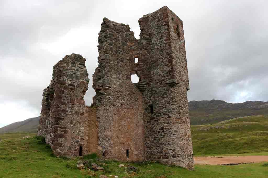 Castles in Highlands-Ardvreck-Castle
