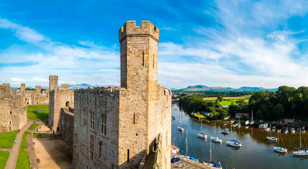Famous Castles in Northern Wales-Caernarfon-Castle