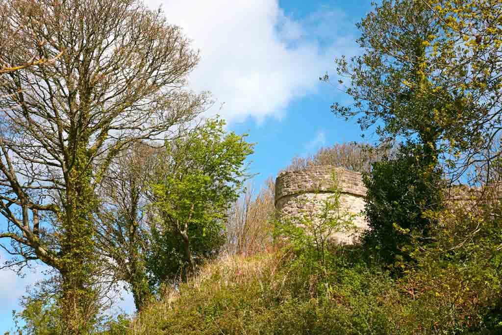 Best castles in Northern Wales-Castell-Aberlleiniog