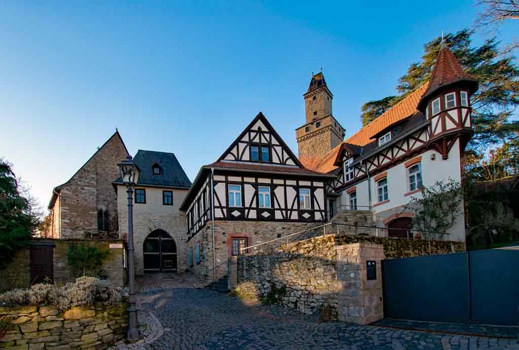 Castles near Frankfurt-Castle-Kronberg