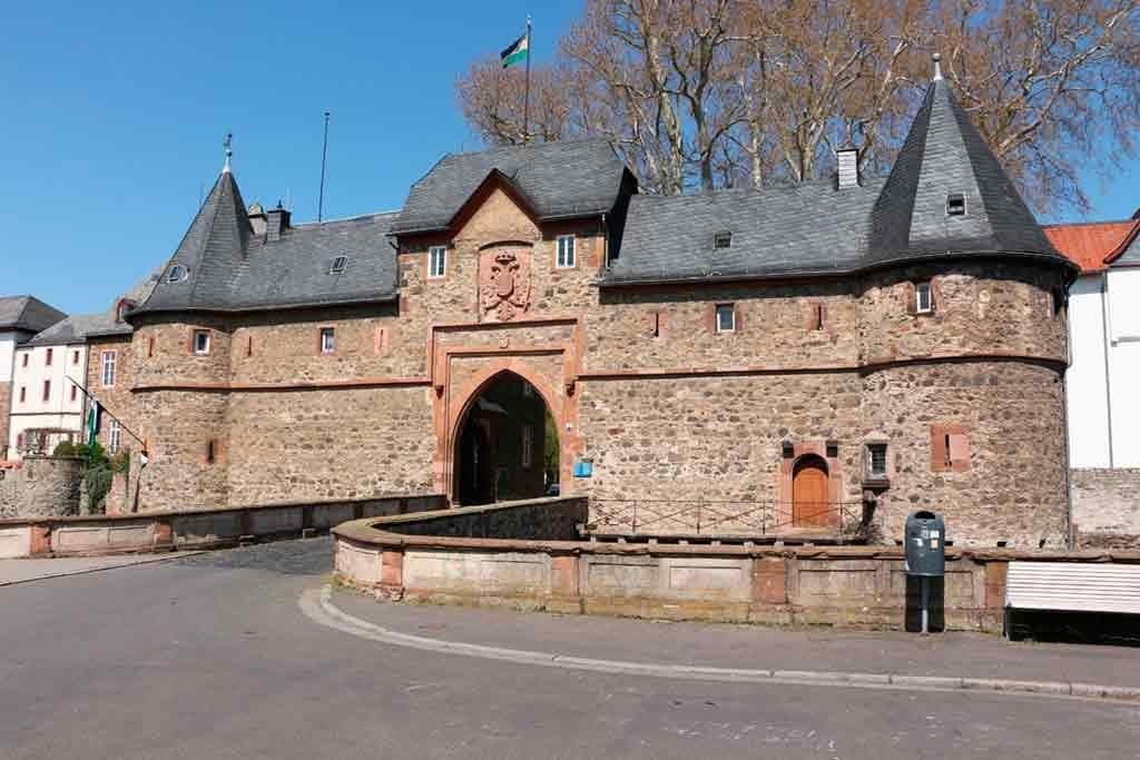Castles near Frankfurt-Castle-of-Friedberg