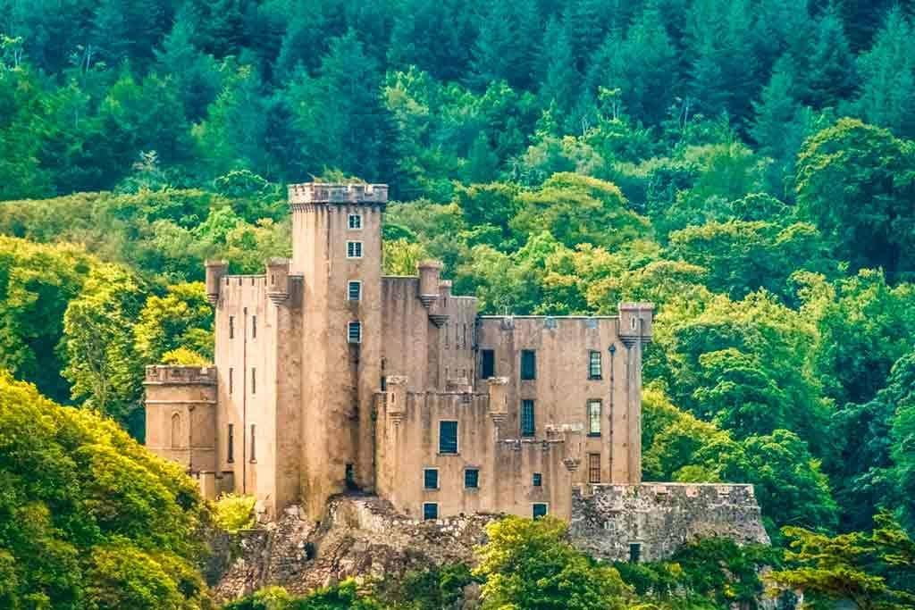Best castles in Highlands-Dunvegan-Castle-&-Gardens