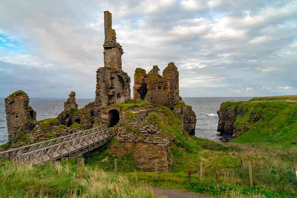 Famous Castles in Highlands-Girnigoe-Castle