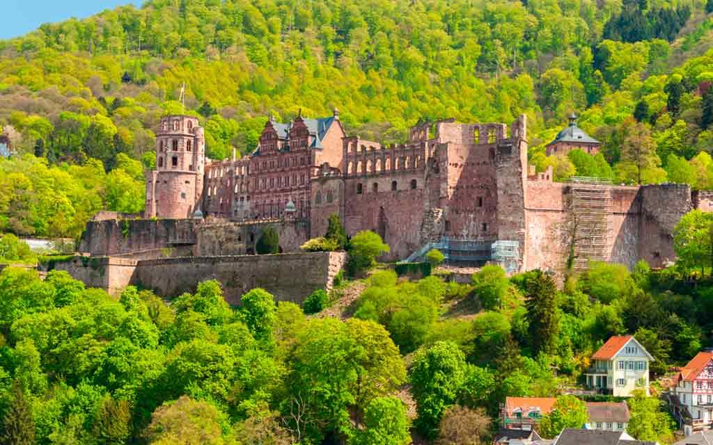 Famous Castles near Frankfurt-Heidelberg-Castle