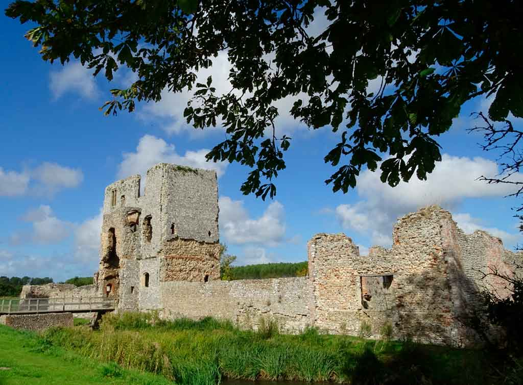 Famous Castles in Northern Wales-Holt-Castle