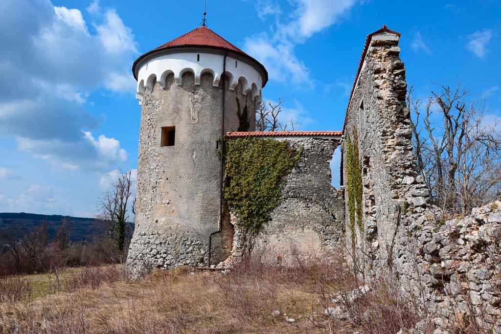 Famous Castles in Slovenia-Kalec-Castle