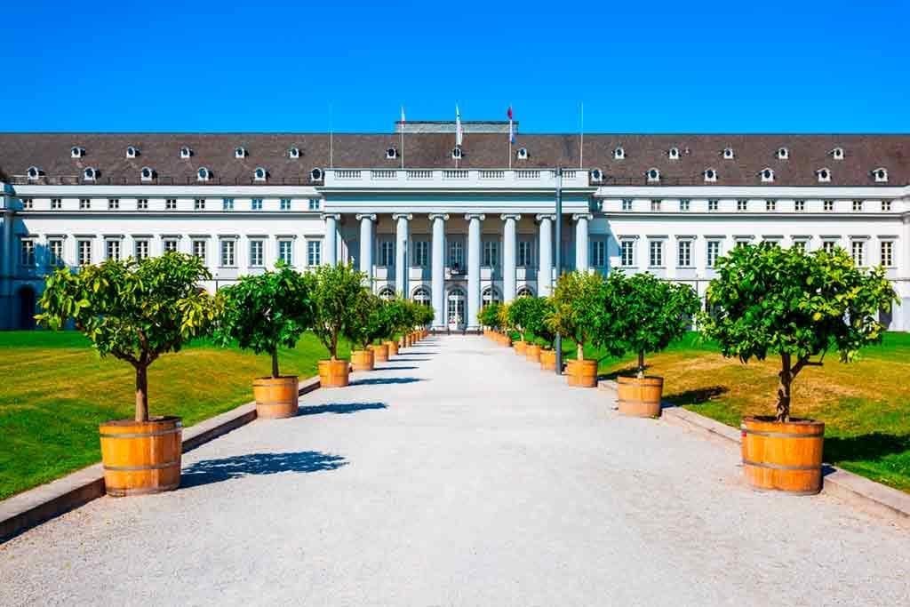 Best castles near Frankfurt-Kurfürstliche-Burg-Eltville-(Electorate-Castle)