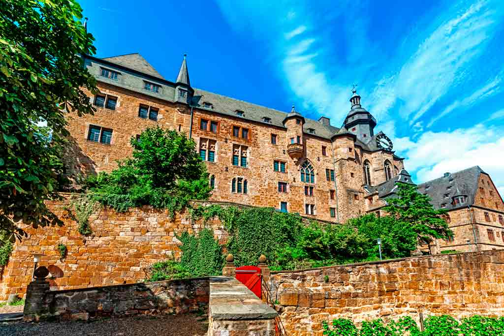 Famous Castles near Frankfurt-Landgrave-Castle