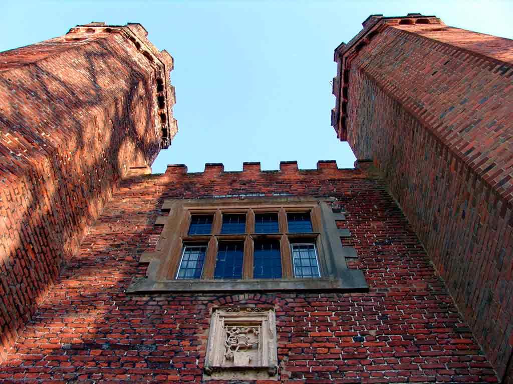 Castles near London-Lullingstone-Castle