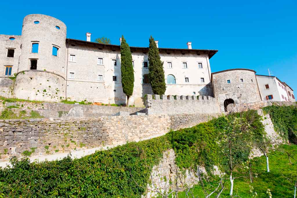 Best castles in Slovenia-Štanjel-Castle