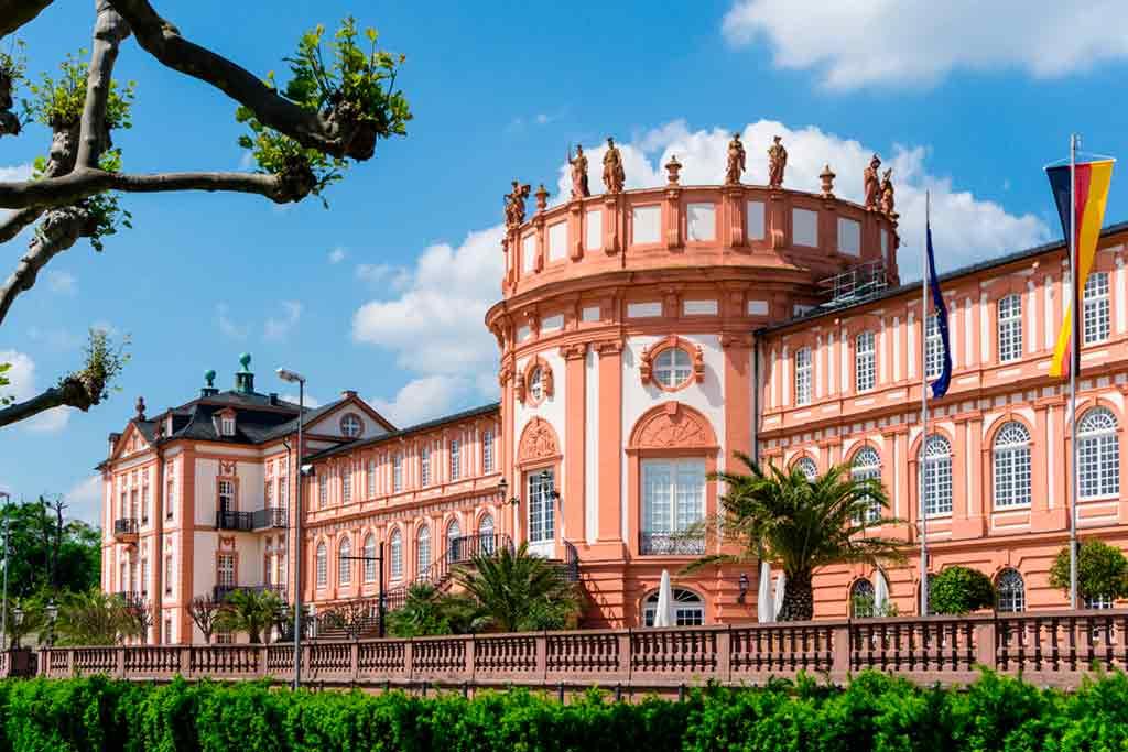 Castles near Frankfurt-Schloss-Biebrich