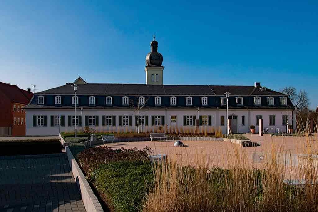 Best castles near Frankfurt-Schloss-Braunshardt