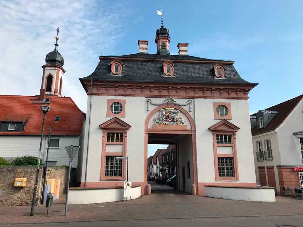 Castles near Frankfurt-Schloss-Heusenstamm