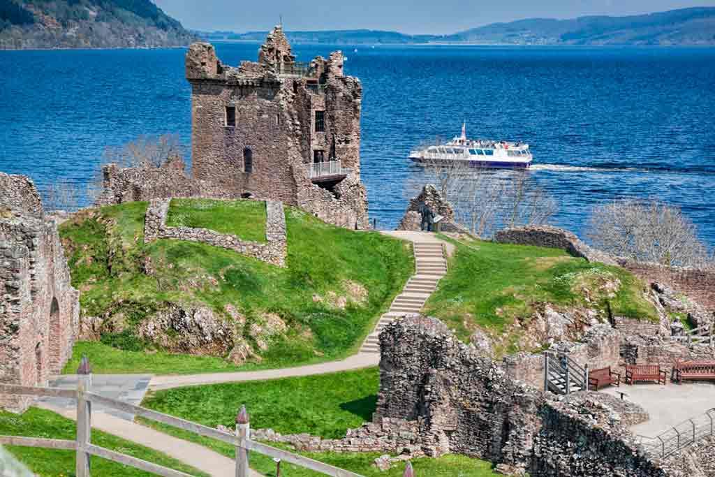 Castles in Highlands-Urquhart-Castle