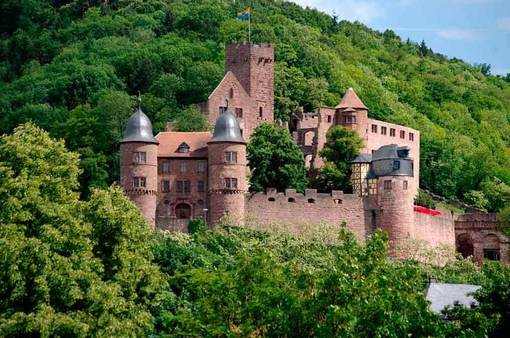 Best castles near Frankfurt-Wertheim-Castle