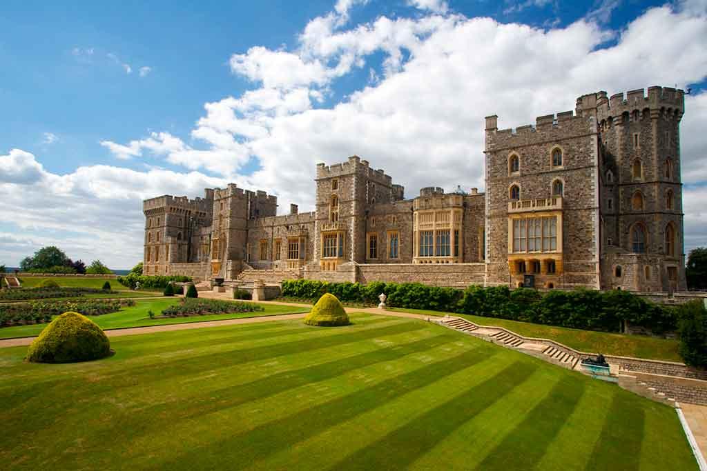 Best castles near London-Windsor-Castle
