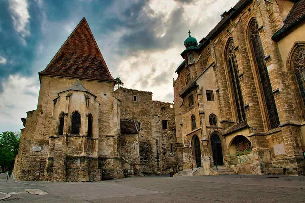 Best castles in Austria-Burg-Perchtoldsdorf
