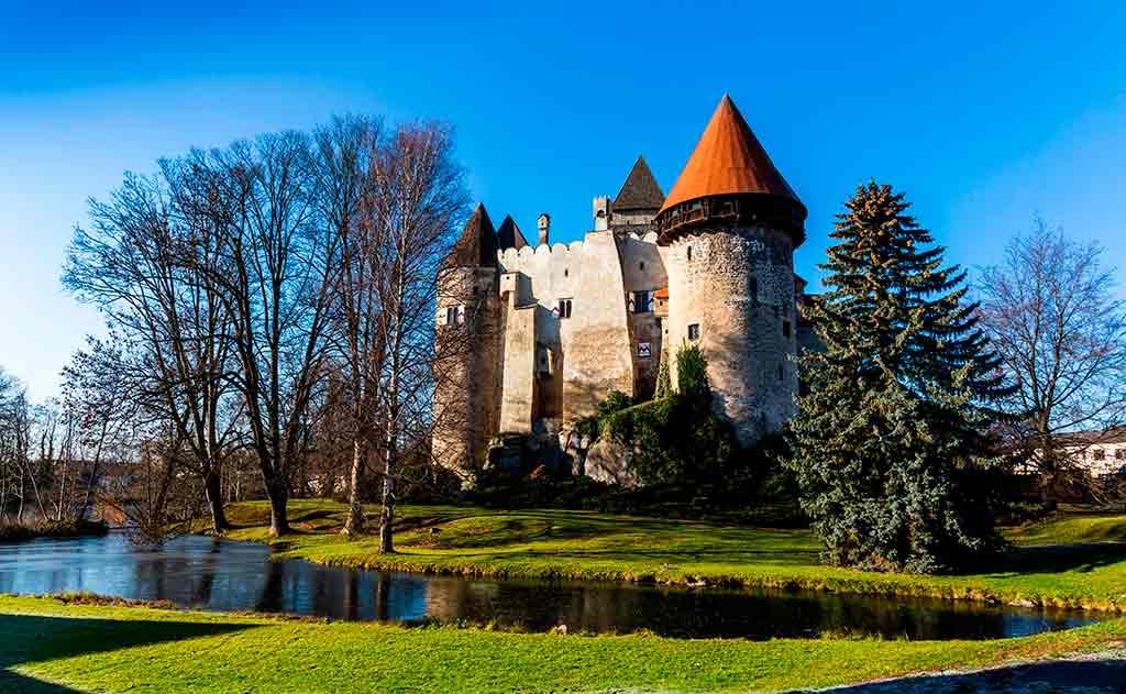Best castles in Austria-Burg-Heidenreichstein