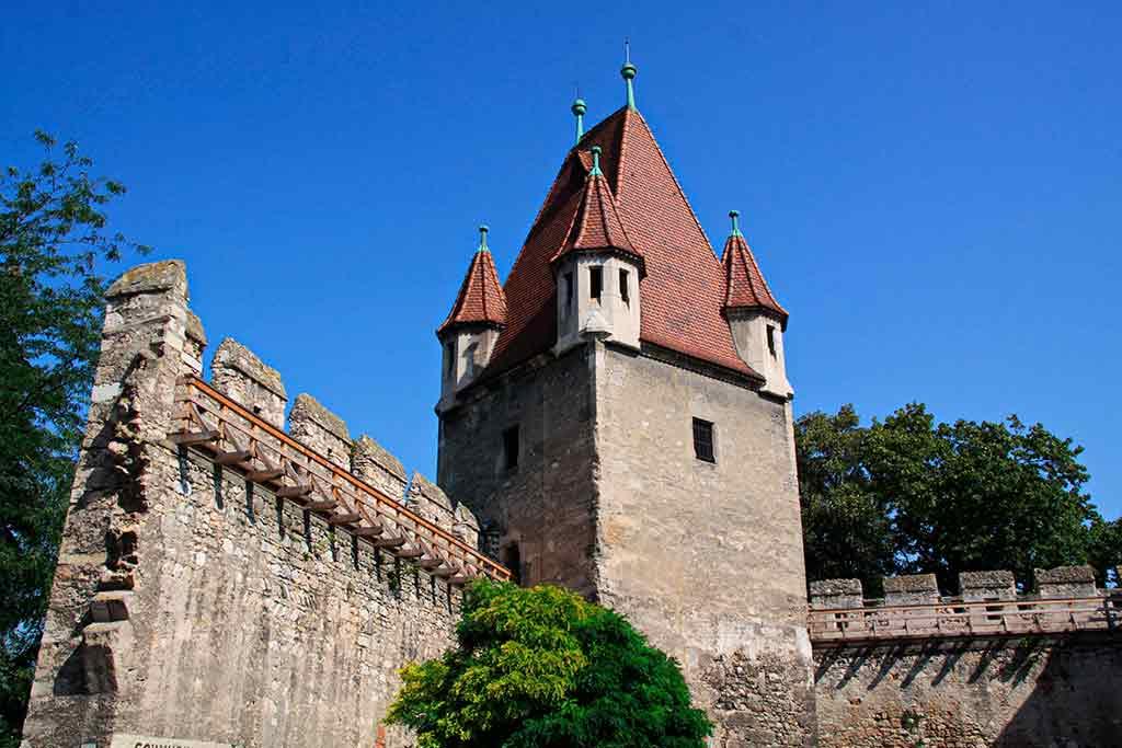 Castles in Austria-Burg-Wiener-Neustadt