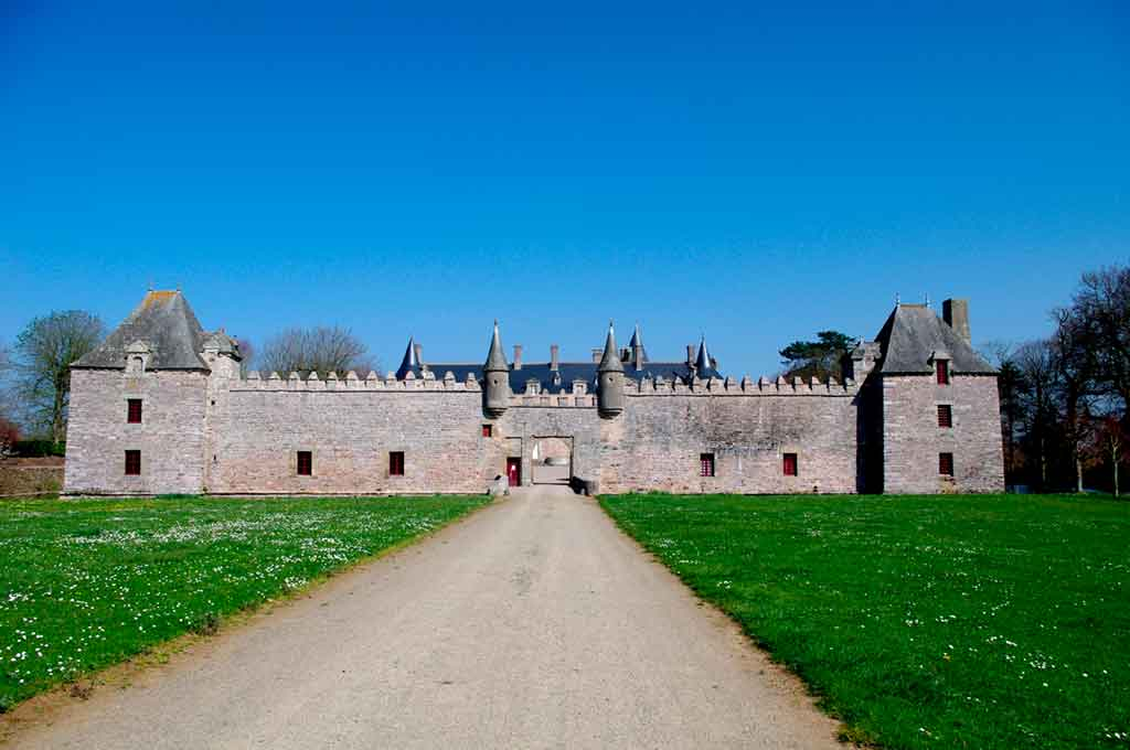 Castles in Northern France-Castle-Bienassis
